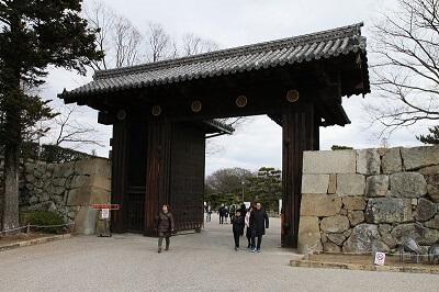 main entrance gate of Himeji Castle