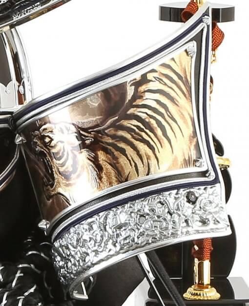 Samurai helmet for sale, Kenshin Uesugi - Kurama model, zooming up to Fukikaeshi tiger drawing