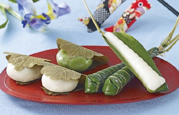 Rice Cakes (Kashiwa mochi) and Rice Dumplings (Chimaki)