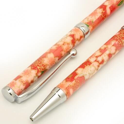 Handmade Ballpoint Pen made in Japan, Mino Washi Japanese paper series, premier quality, Kinpaku pattern red, details