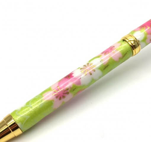 Handmade Ballpoint Pen made in Japan, Mino Washi Japanese paper series, Ryusui Yellow, details of pen body