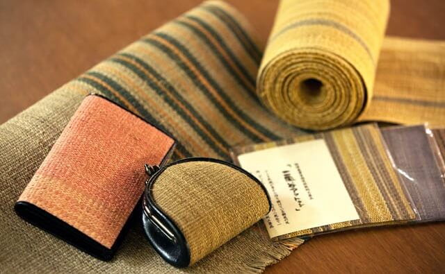 Japanese crafts Nibutani Bark Cloth, product example wallet and purse