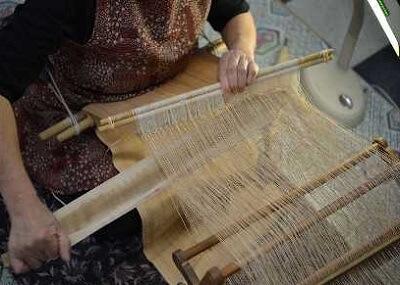 Japanese crafts Nibutani Bark Cloth, weaving bark cloth