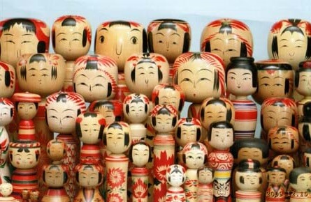 Japanese Traditional Wood Carving Dolls, Kokeshi, collecting various sizes small to large
