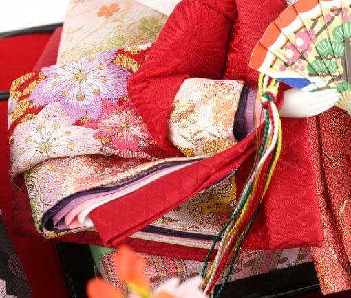 Hina dolls, a Japanese doll, gorgeous pair doll set Hagoromo Purple, details of Kimono cloth of the empress doll