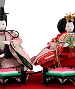 Hina dolls, a Japanese doll, compact size pair dolls set Miyuki (Red), details of the emperor and the empress dolls