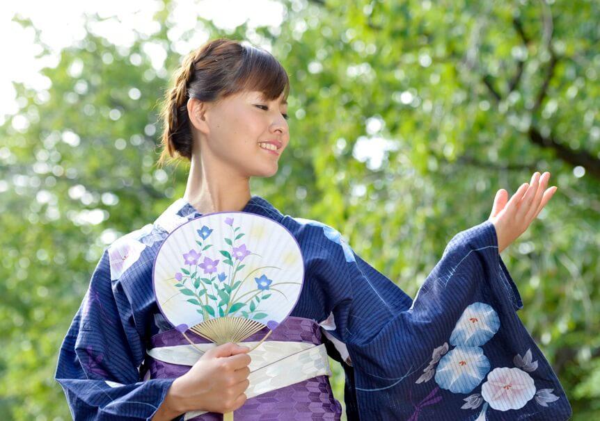 Boshu Uchiwa Fans, Japanese traditional craft, a woman wearing Yukata enjoying Summer with Japanese Uchiwa fan