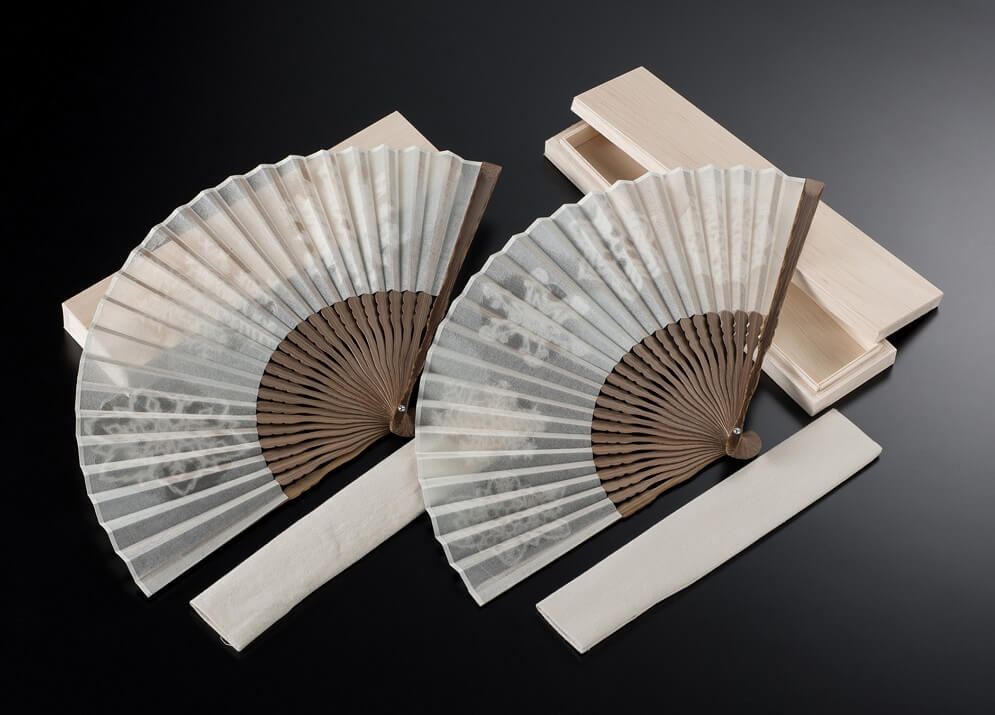 Mino Washi Japanese paper, a Japanese traditional craft, Japanese fan made with Washi