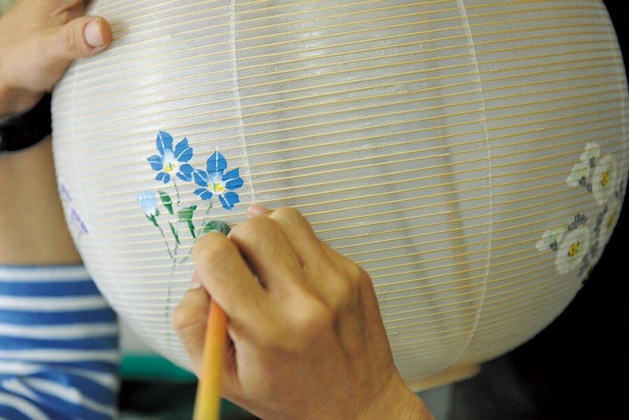 Gifu lanterns, a Japanese traditional craft, making process, drawing
