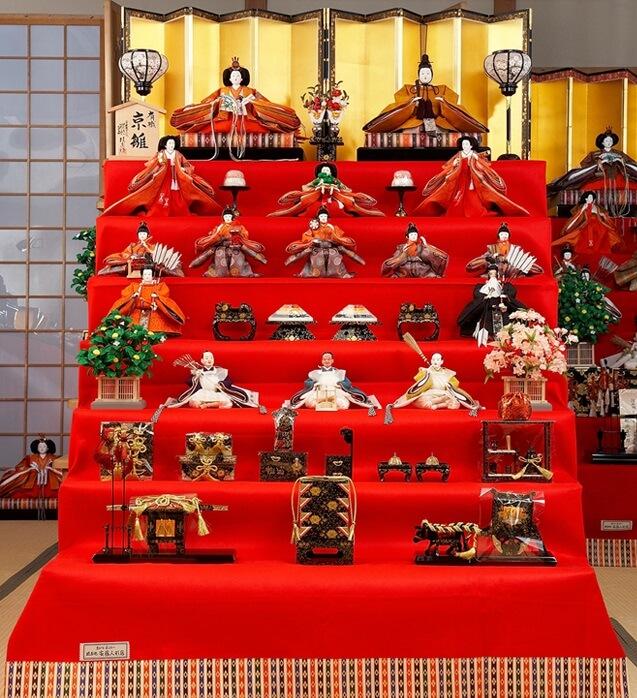 Hina dolls made in Suruga, a traditional Japanese craft, full set of hina dolls