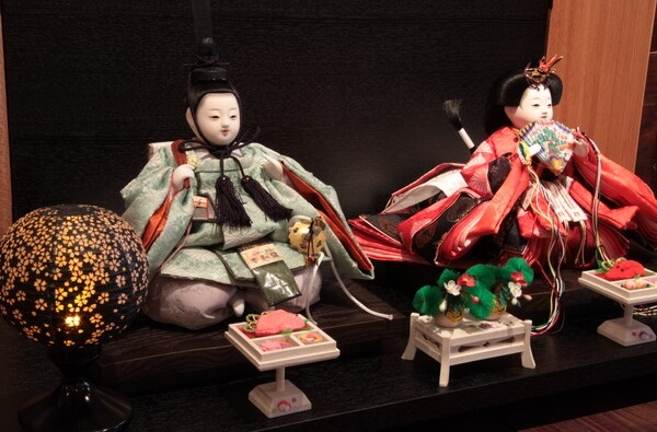 Hina dolls made in Suruga, a traditional Japanese craft, product exmple