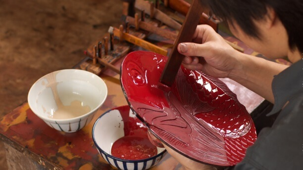 Takaoka Lacquerware, a Japanese traditional craft, making process of lacquer painting