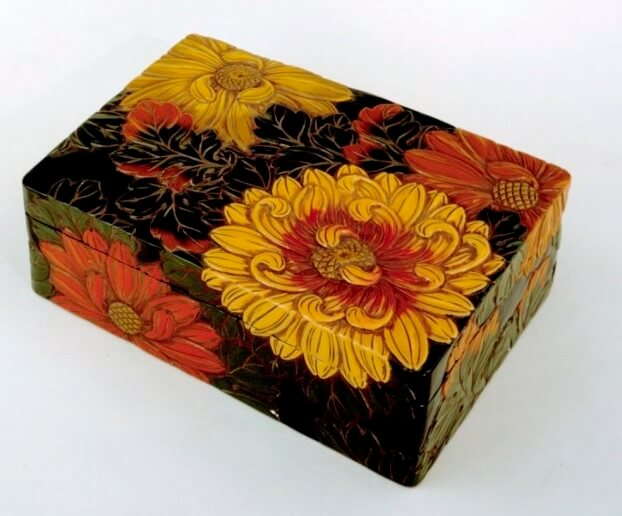 Takaoka Lacquerware, a Japanese traditional craft, modern art product