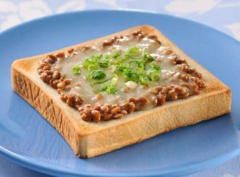 Natto recipe: add on a toast