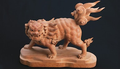 Hida Ichii one-knife carving, a Japanese traditional craft, lion object
