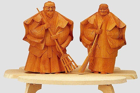 Hida Ichii one-knife carving, a Japanese traditional craft, pair carving object