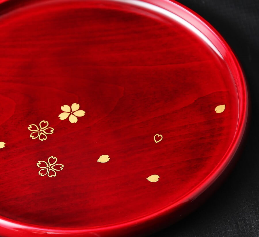 Hida Shunkei Lacquerware, a Japanese traditional craft, round tray with flower painting