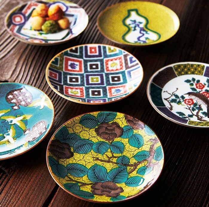 Kutani-Yaki Pottery and Porcelain, a famous Japanese crafts, dishes