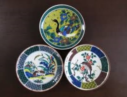 Kutani-Yaki Pottery and Porcelain, a famous Japanese crafts, reasonable decorative dishes