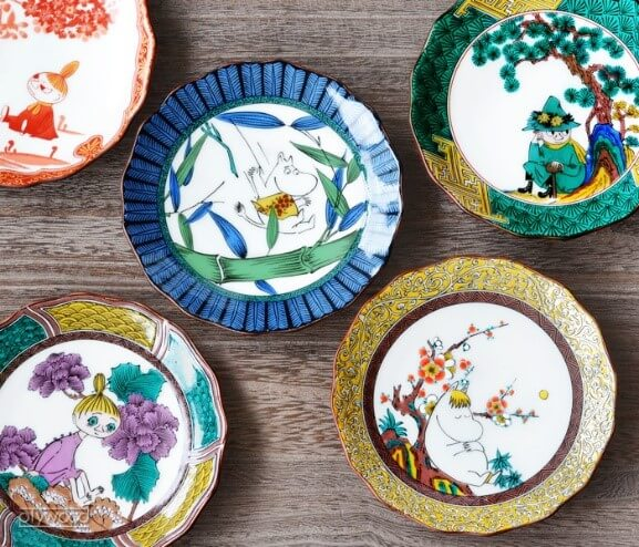Kutani-Yaki Pottery and Porcelain, a famous Japanese crafts, dishes for everyday use sold in Rakuten