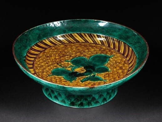 Kutani-Yaki Pottery and Porcelain, a famous Japanese crafts, revival of artistic Kutani plate