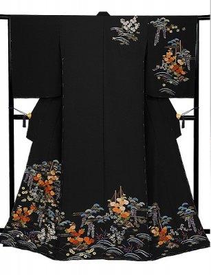 Kaga Embroidery, a Japanese traditional crafts of Kimono, Kimono entire view