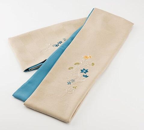 Kaga Embroidery, a Japanese traditional crafts of Kimono, made product Kimono cloth
