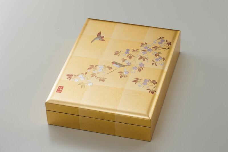 Kanazawa gold leafe, a Japanese traditional craftsmanship, golden box