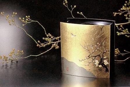 Kanazawa gold leafe, a Japanese traditional craftsmanship, flower vase