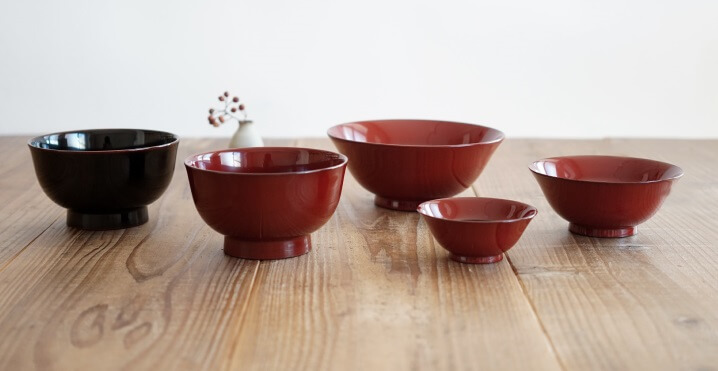 Echizen Lacquerware, a Japanese traditional craft, various sized soup bowls