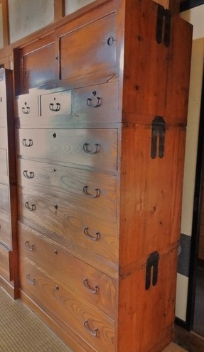 Japanese arts and crafts: Tansu clothing cabinet