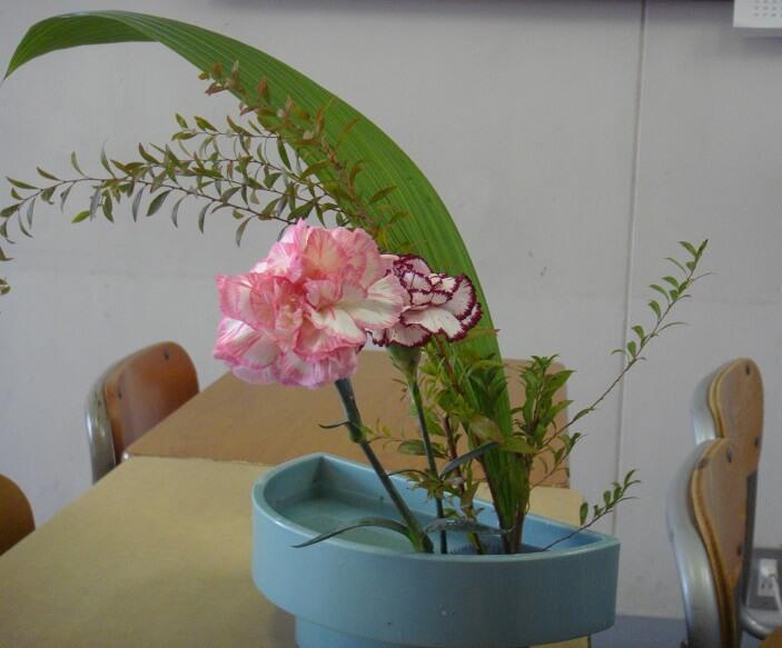 Japanese arts and crafts: Ikebana Kado Flower art