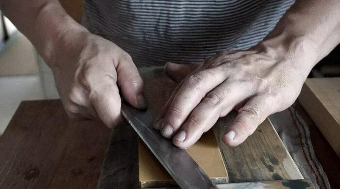 Japanese authentic knife Honyaki, making image of a knife