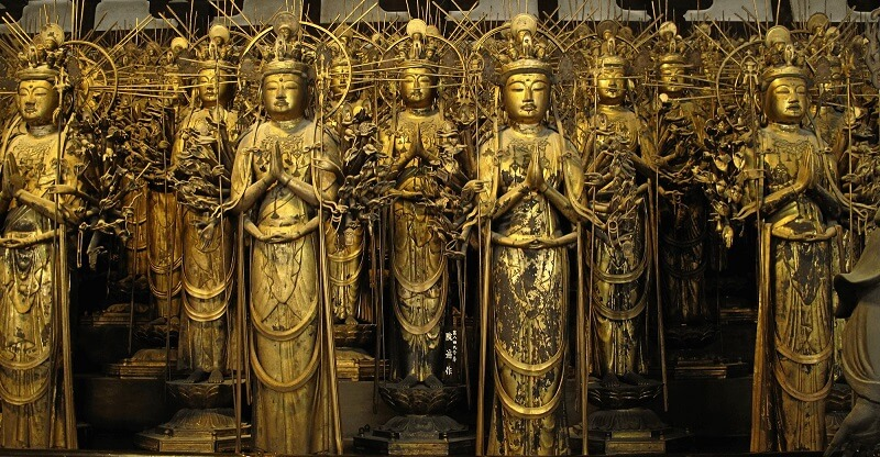 Japan's Ultimate Buddhist Artwork: The Thousand-Armed Kannon in Sanjisangendo temple