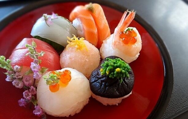 Easy recipe for Temari Sushi, serving on a Japanese lacquerware tray