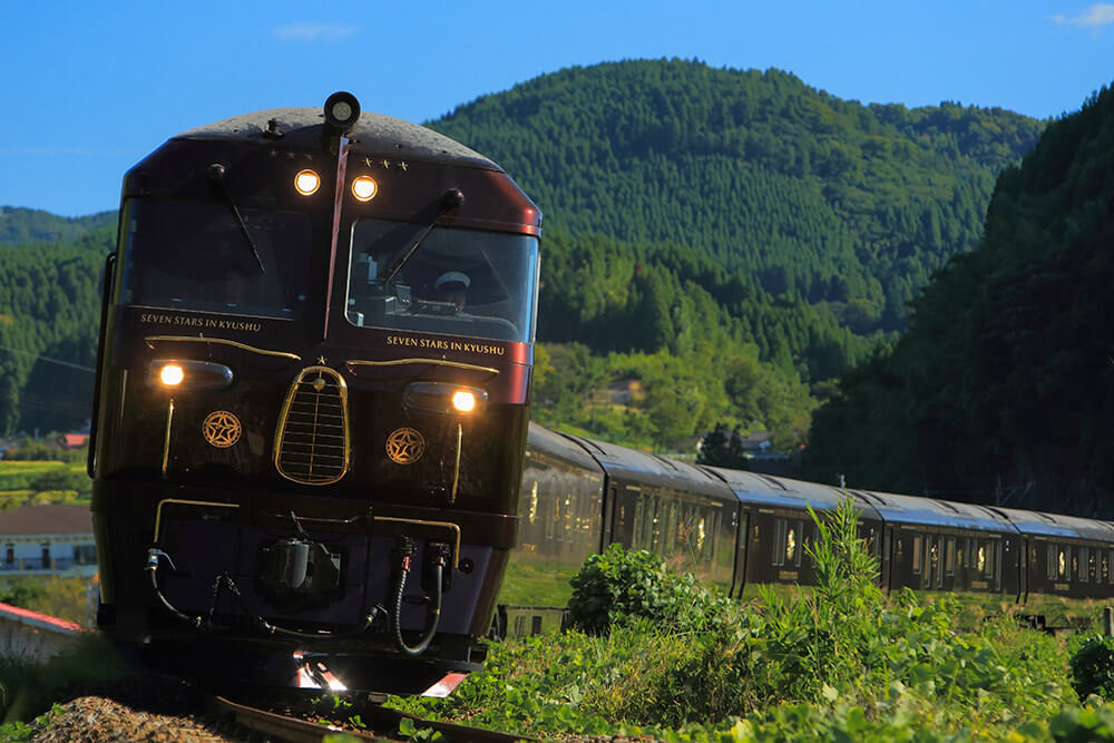 Seven Stars in Kyushu, cruise train of Japan, outside view