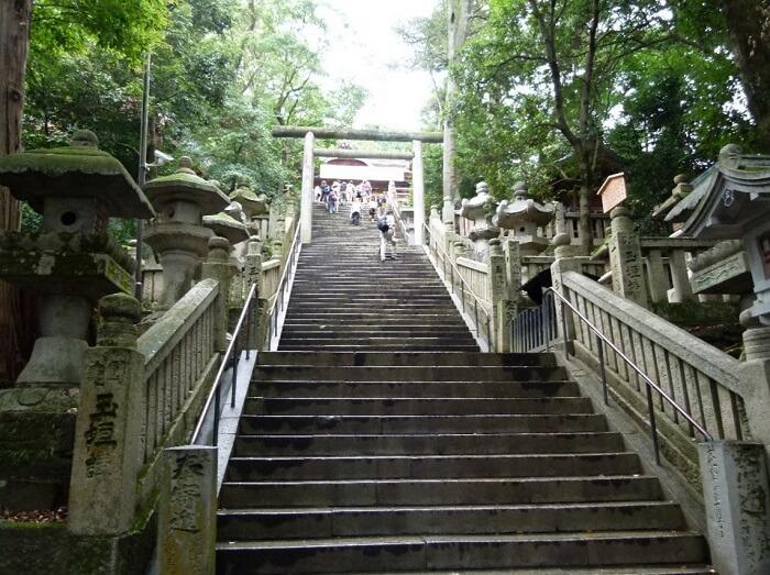Marugame Uchiwa fans, a traditional Japanese craft, stair steps of Kompira shrine