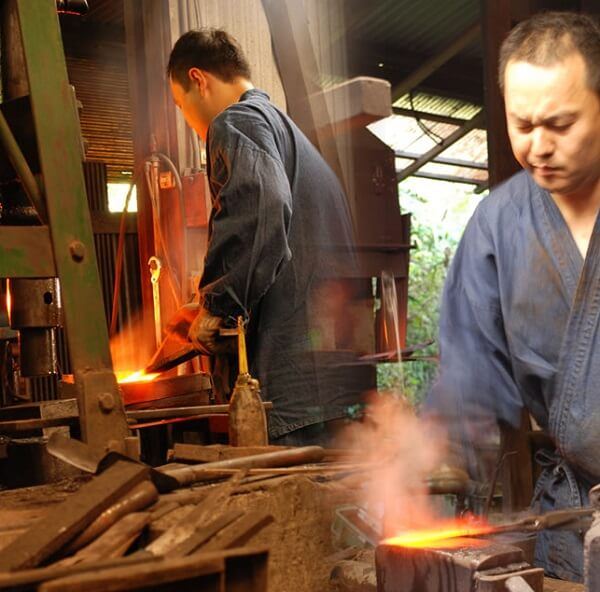 Tosa cutlery, a traditional Japanese craft, making process of field knife