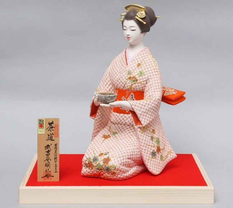Hakata dolls, a Japanese doll craft, beautiful woman doll