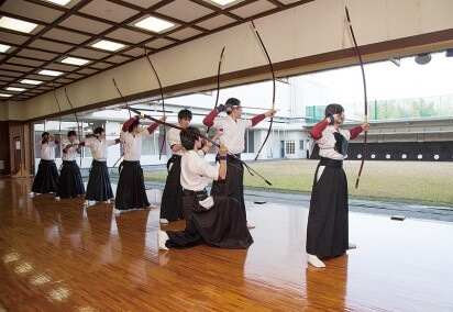 Miyakonojo Japanese longbow, a traditional craft, Japanese archery court