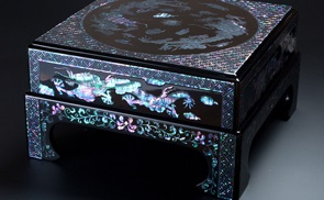 Ryukyu lacquerware, a traditional Japanese craft, Raden manipulation
