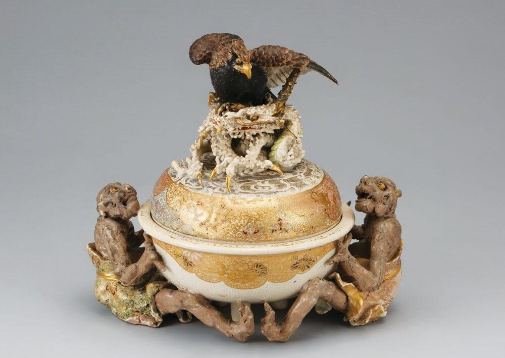 Japanese greatest pottery art, Miyagawa Makuzu Kozan, an art work