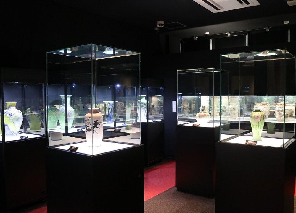 Japanese greatest pottery art, Miyagawa Makuzu Kozan, his museum and arts