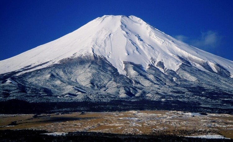 Mt. Fuji, related to Rakuyaki Shiroraku tea cup, Japanese national treasure