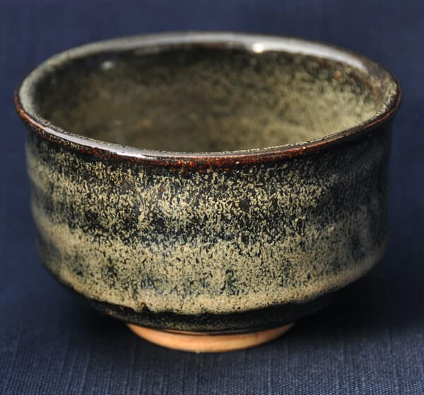 artistic Japanese green tea bowl, fat shape