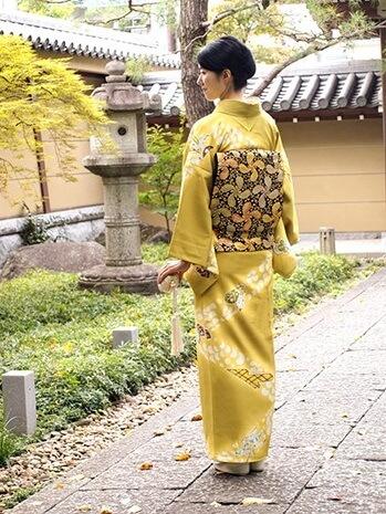 Kyo Yuzen Kimono fabric, a Japanese traditional craft, a woman in Kimono