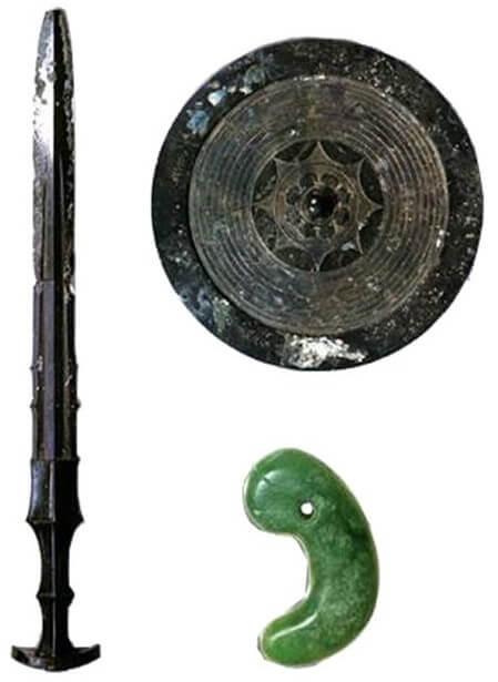 three secret treasures of japanese mythology